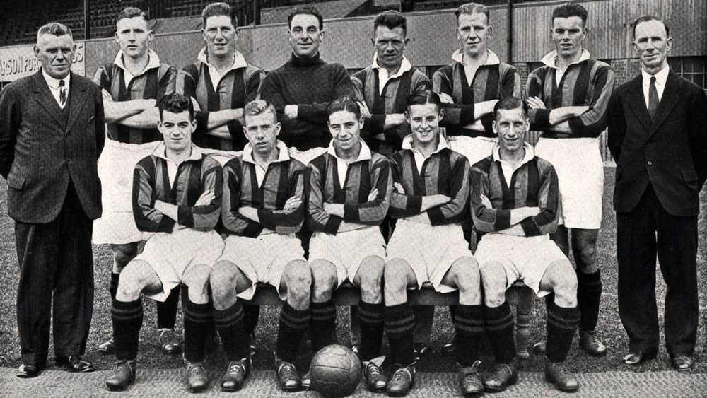 Aberdeen F.C. 1933-34 - Original B&W picture - No copyright - attached.