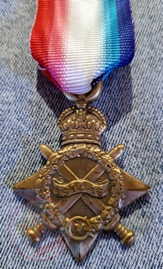 1914-15 Star, was awarded for service in specified theatres of war between 5 August 1914 and 31 December 1915 - Copyright © 2019 Graeme Watson.